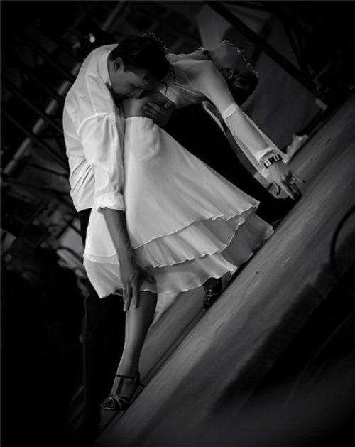 Танцы — перпендикулярное выражение горизонтальных желаний